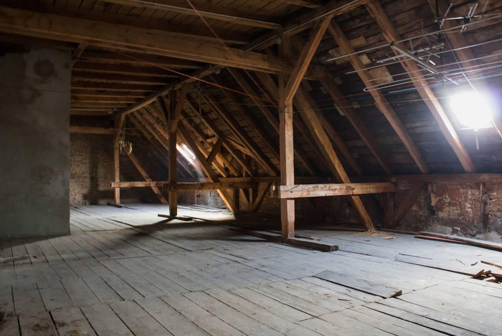 isolation par soufflage sur le bassin d 39 arcachon les avantages isolation de combles par. Black Bedroom Furniture Sets. Home Design Ideas
